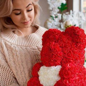 подарок на день валентина мишка из роз