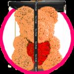 персиковый мишка из роз с сердцем в коробке